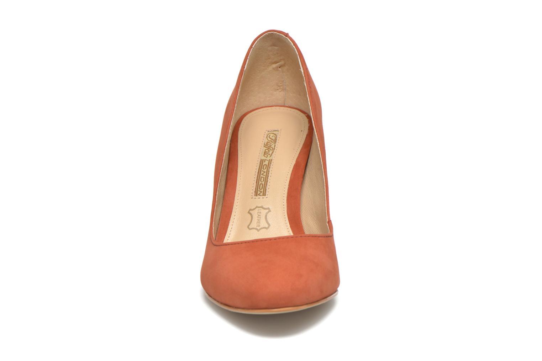 High heels Buffalo Qilda Brown model view