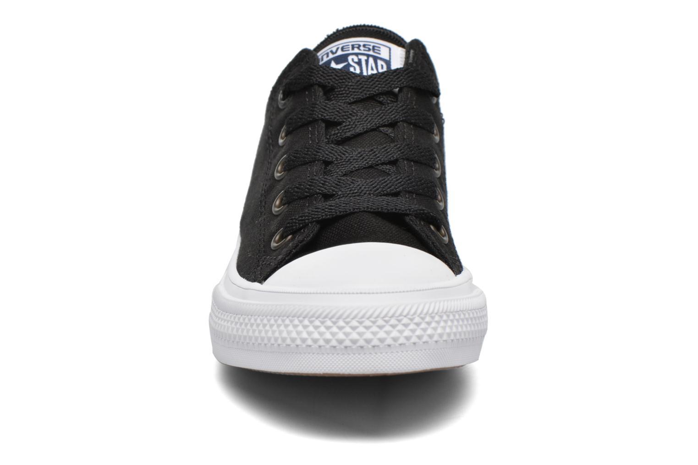 Sneakers Converse Chuck Taylor All Star II Hi Nero modello indossato
