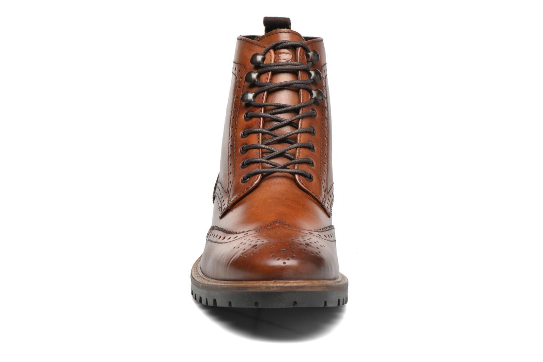 Bottines et boots Base London Troop Marron vue portées chaussures