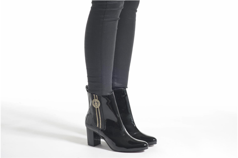 Bottines et boots Tommy Hilfiger GIGI ELESTIC BOOTIE Noir vue bas / vue portée sac