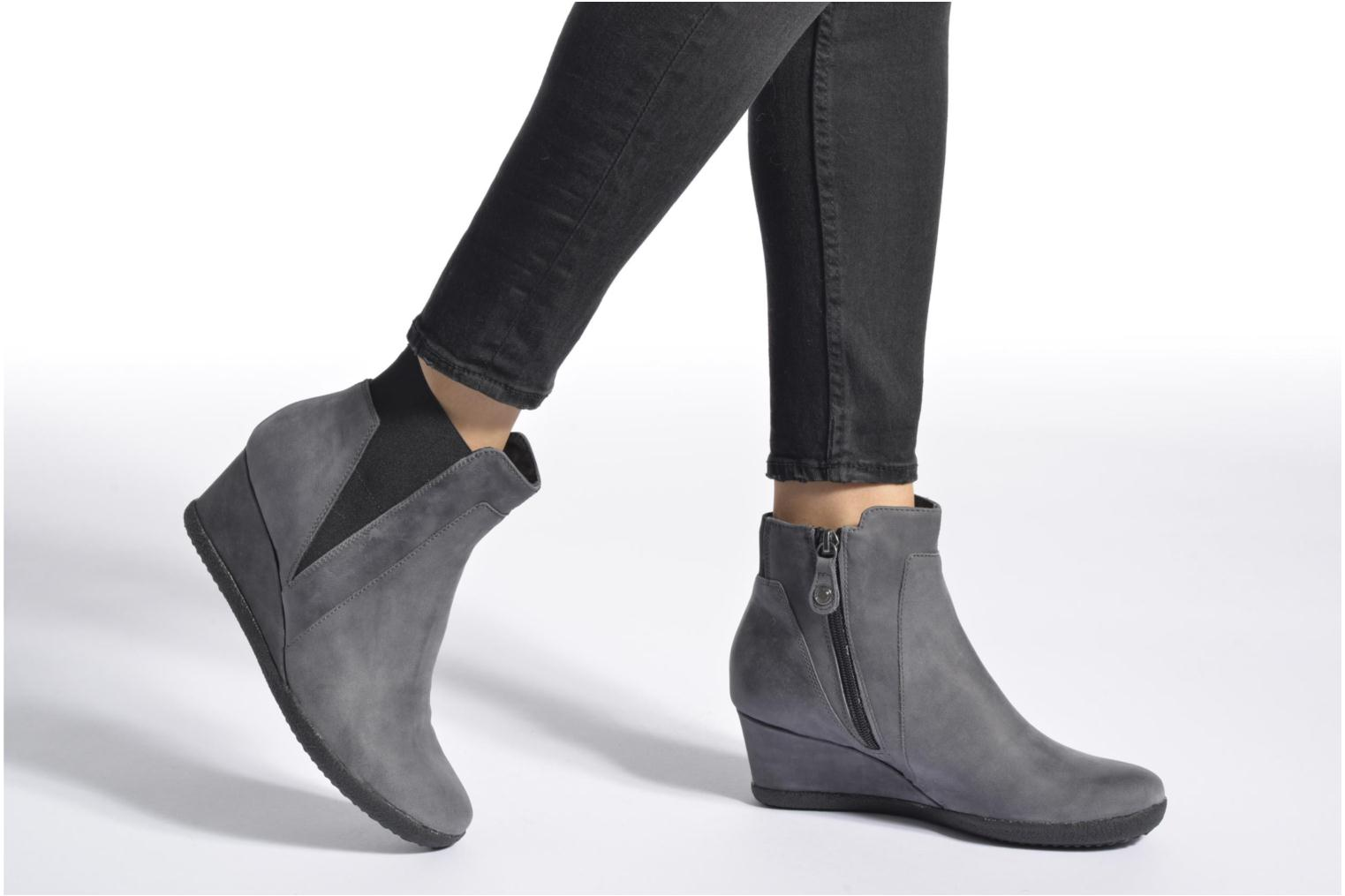 Ankle boots Geox D AMELIA ST B D6479B Brown view from underneath / model view