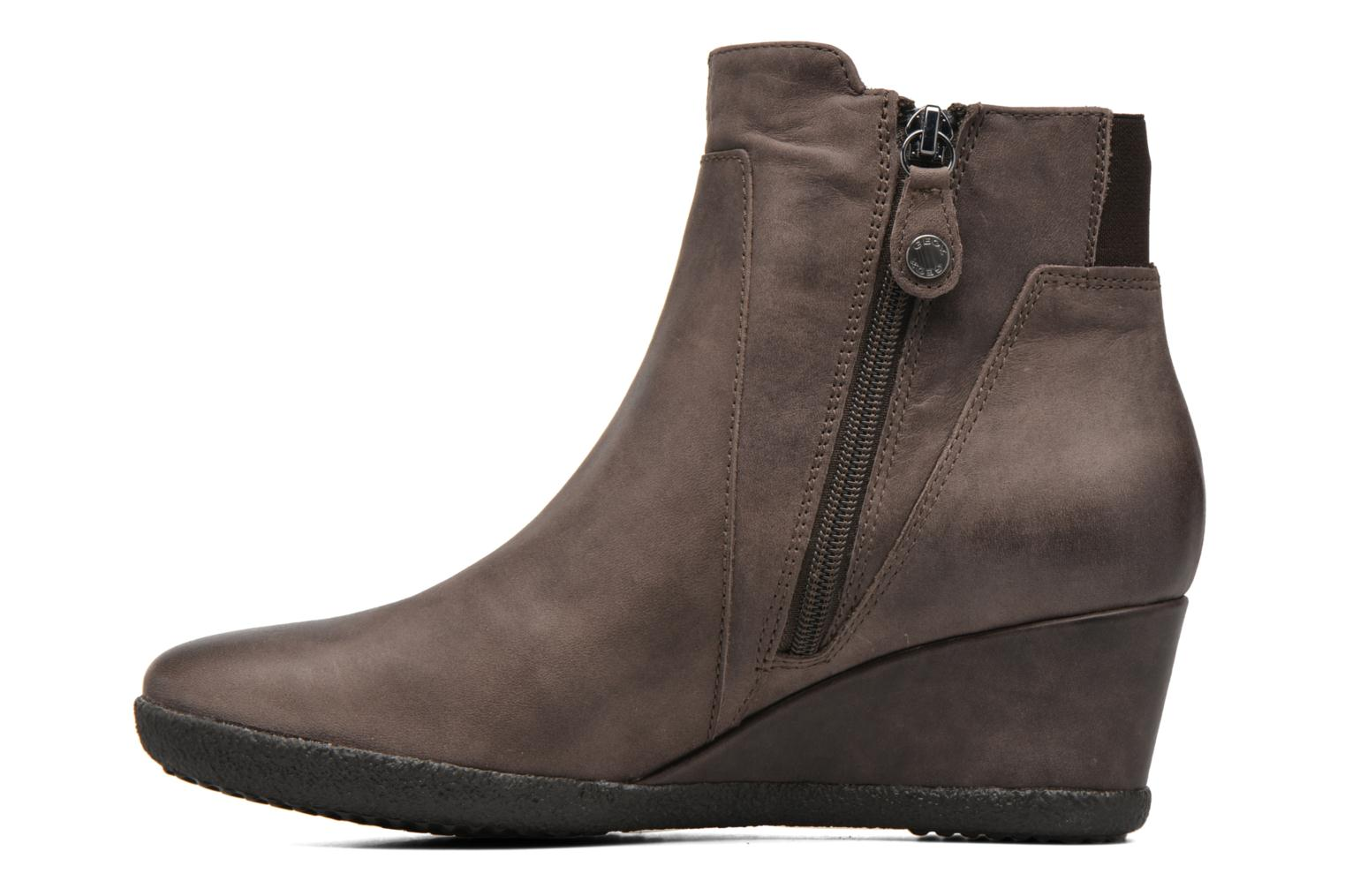 Ankle boots Geox D AMELIA ST B D6479B Brown front view