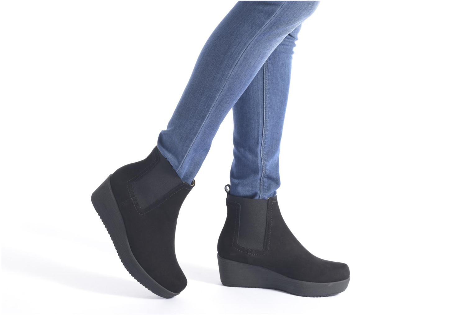Ankle boots Unisa Fara Black view from underneath / model view