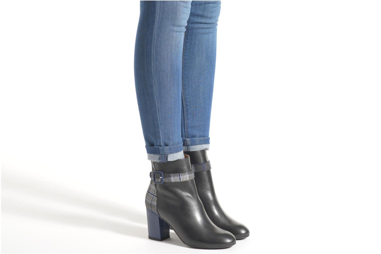Stiefeletten & Boots Made by SARENZA Queens Cross #2 schwarz ansicht von unten / tasche getragen