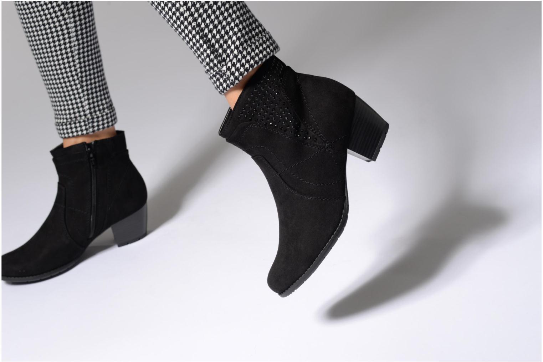 Stiefeletten & Boots Jana shoes Luzerne braun ansicht von unten / tasche getragen