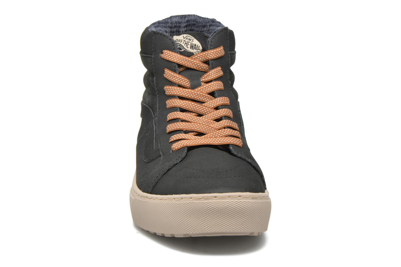 Baskets Vans Sk8-Hi MTE CUP Noir vue portées chaussures