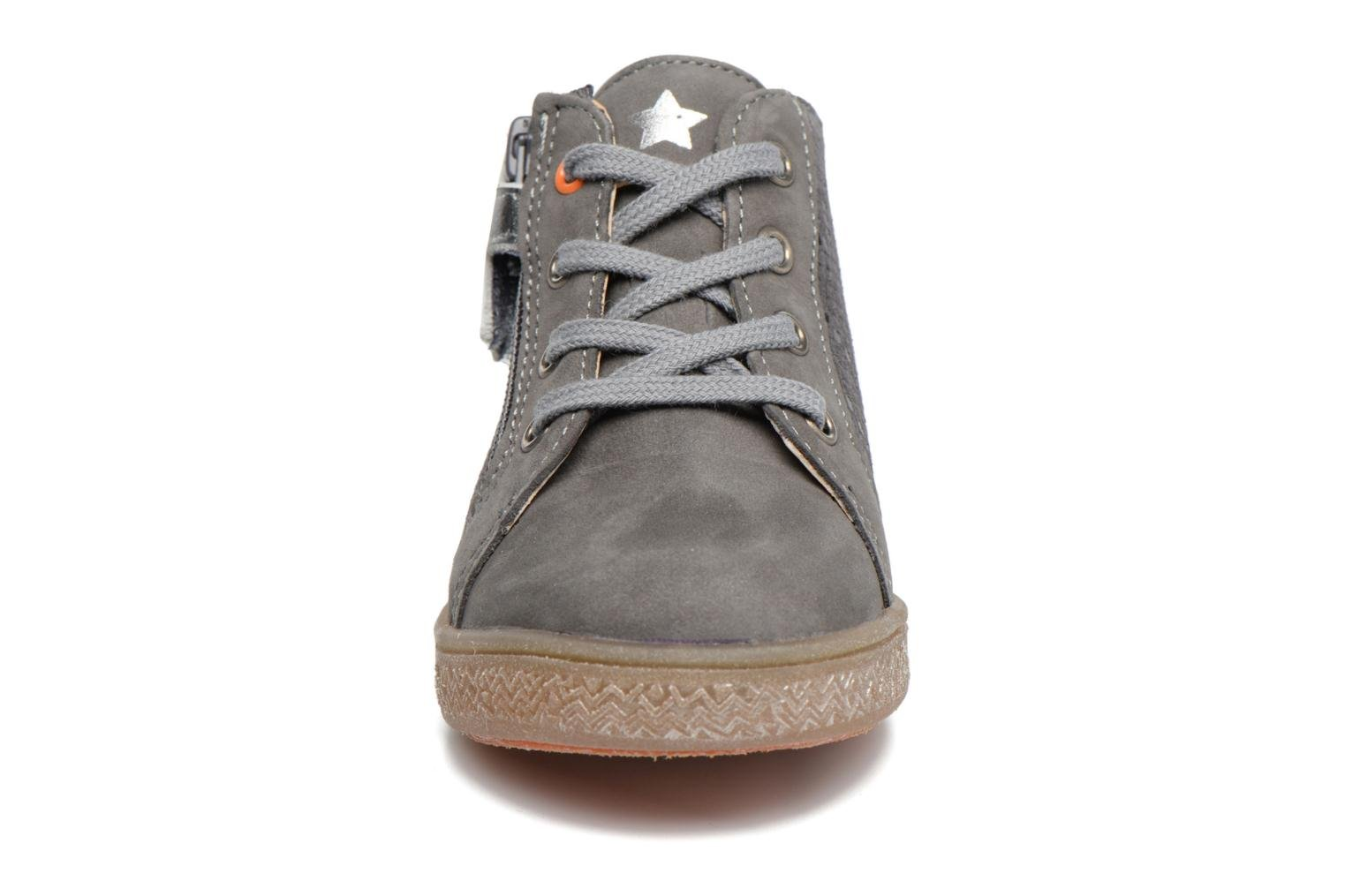 Trainers Babybotte Adrenaline Grey model view