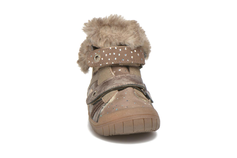 Chaussures à scratch Babybotte Artiwiniefl Marron vue portées chaussures