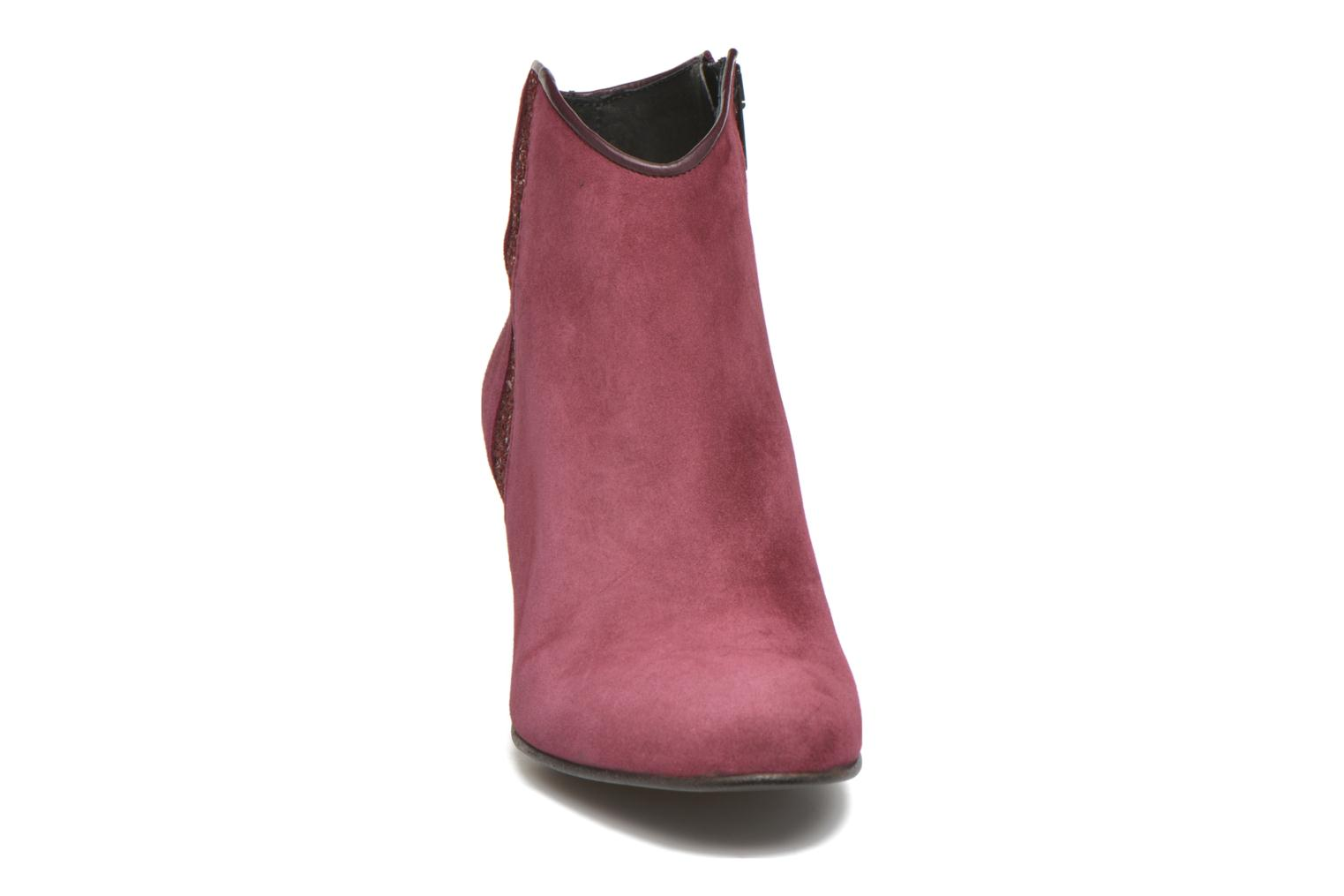 Ankle boots Georgia Rose Lolok Burgundy model view