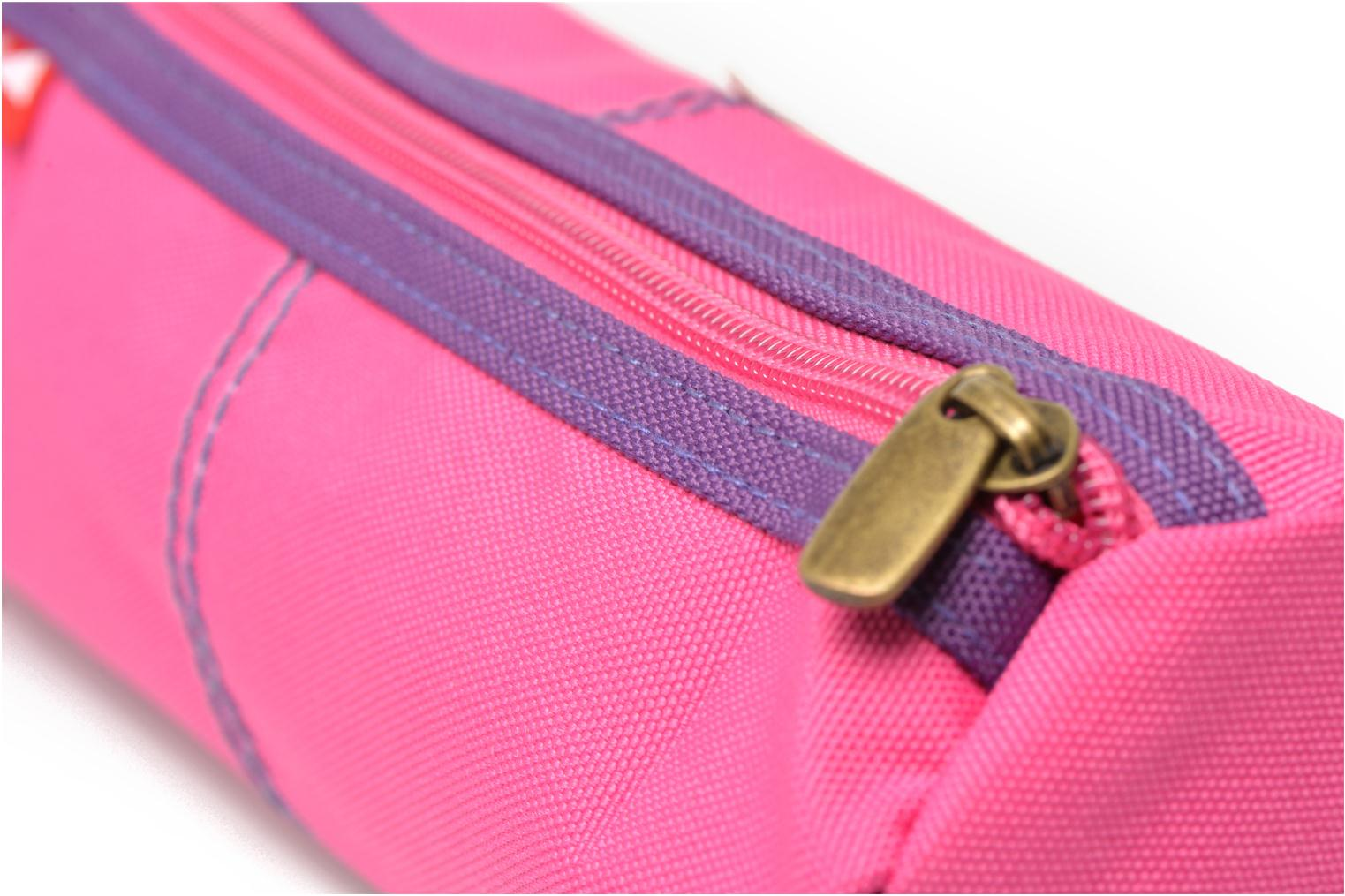 School bags Poids Plume Trousse triangle unie Pink view from the left