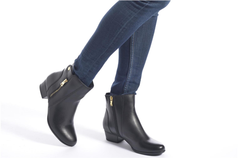 Bottines et boots Caprice Dagny Zip Noir vue bas / vue portée sac