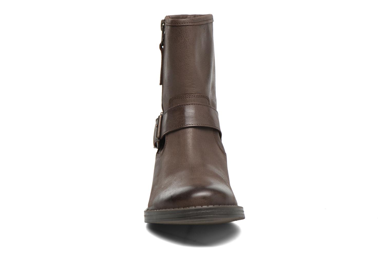 Bottines et boots Georgia Rose Celeste Marron vue portées chaussures