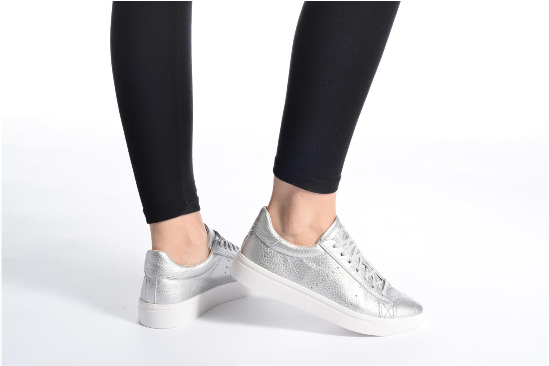 Sneaker Esprit Lizette Lace Up silber ansicht von unten / tasche getragen