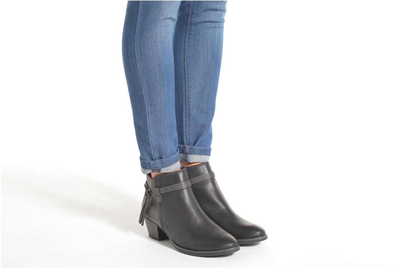 Bottines et boots Marco Tozzi Girelle Noir vue bas / vue portée sac