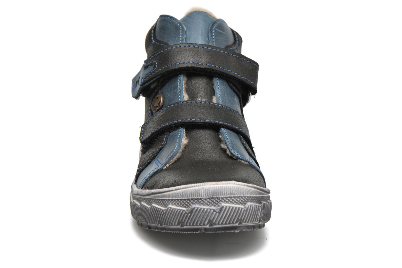 Baskets Minibel Luis Noir vue portées chaussures