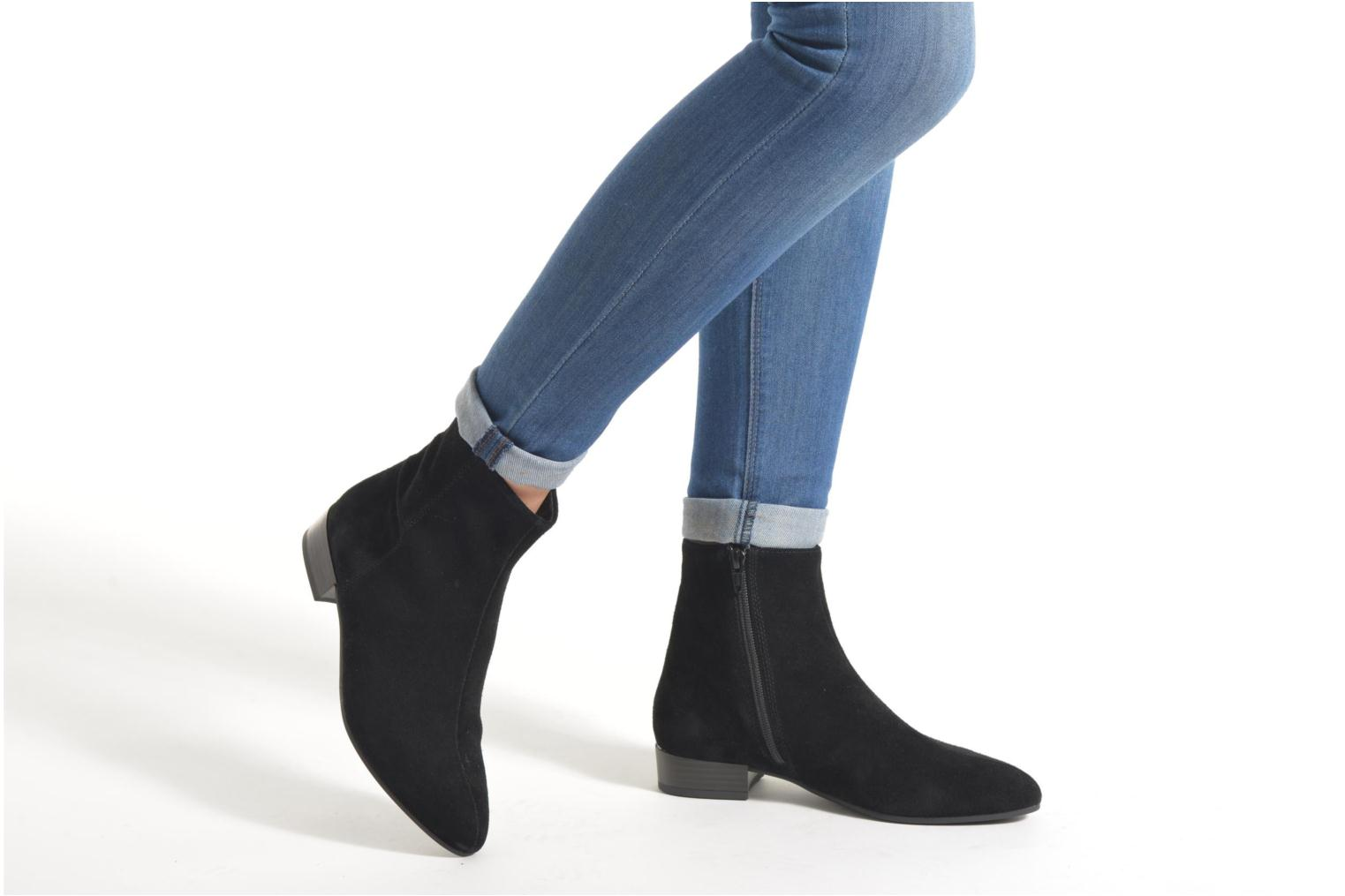 Ankle boots Vagabond Shoemakers GIGI 4201-340 Black view from underneath / model view