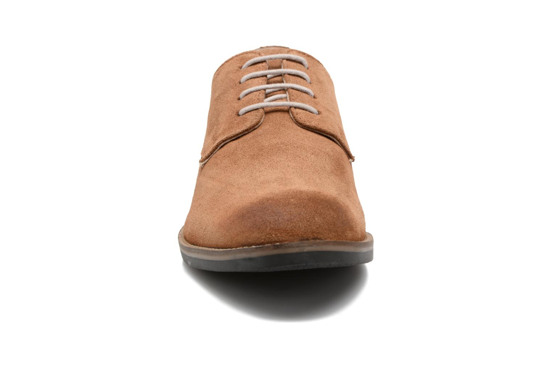 Schnürschuhe Kickers Eldan braun schuhe getragen