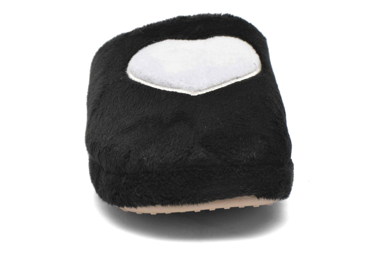 Hausschuhe Esprit Doni Big Heart schwarz schuhe getragen