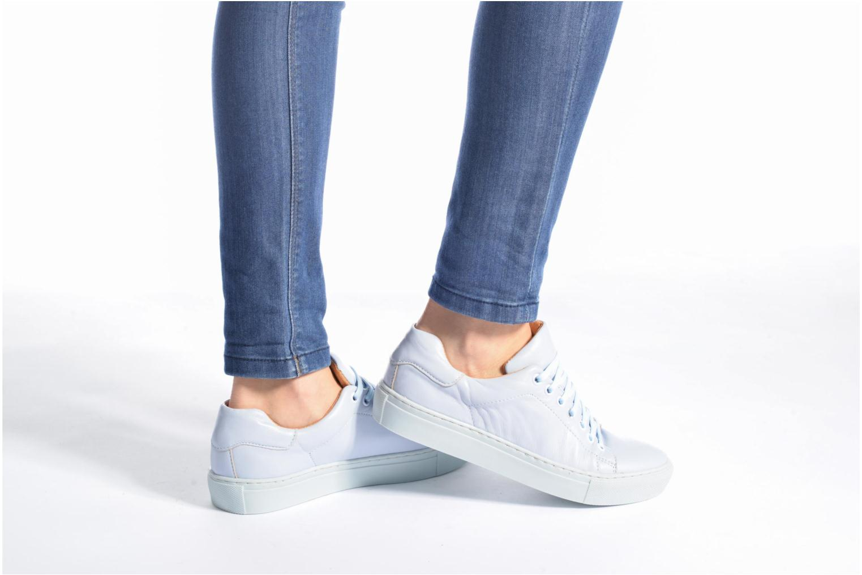 Sneaker Made by SARENZA Sugar Shoegar #8 blau ansicht von unten / tasche getragen