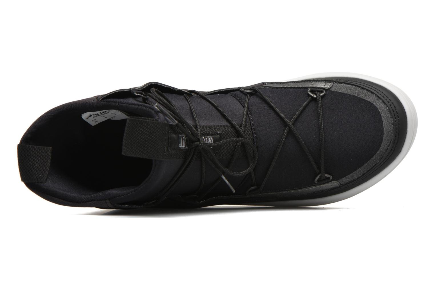 Sport shoes Moon Boot Vega Tf Black view from the left