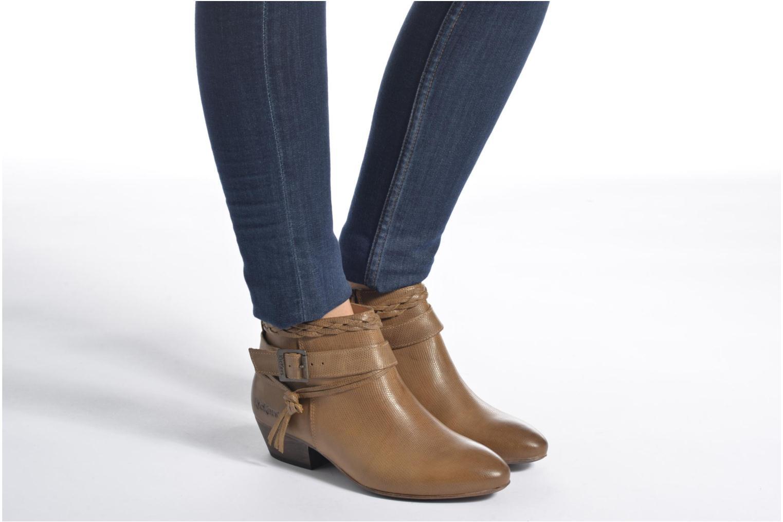Stiefeletten & Boots Kickers Westboots braun ansicht von unten / tasche getragen
