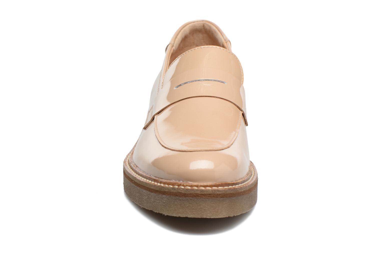 Mocassins Kickers Oxmox Beige vue portées chaussures