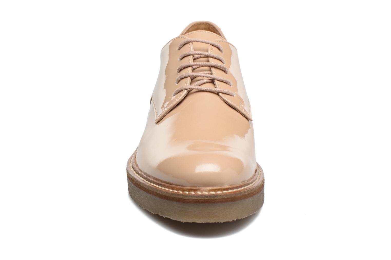 Chaussures à lacets Kickers Oxfork Beige vue portées chaussures
