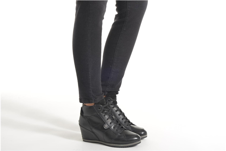 Sneakers Geox D ILLUSION A D4454A Zwart onder
