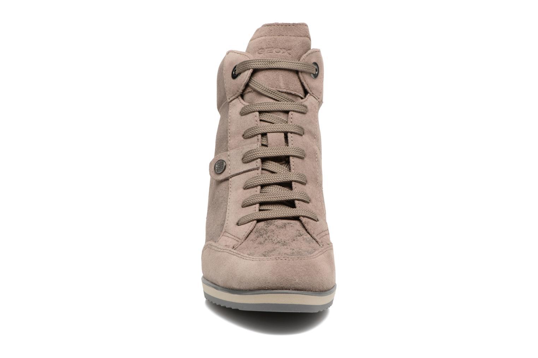 Baskets Geox D ILLUSION A D4454A Marron vue portées chaussures