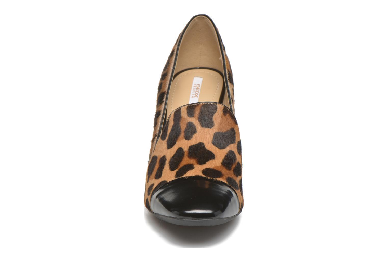 Escarpins Geox D NEW SYMPHONY HIGH. F D642VF Marron vue portées chaussures