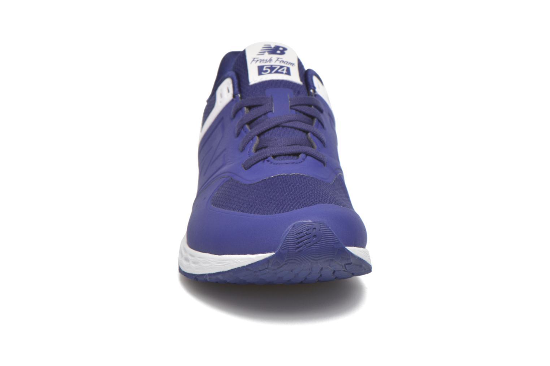 Baskets New Balance WFL574 Bleu vue portées chaussures