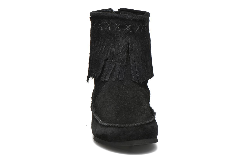 Bottines et boots Les Tropéziennes par M Belarbi Crabe Noir vue portées chaussures