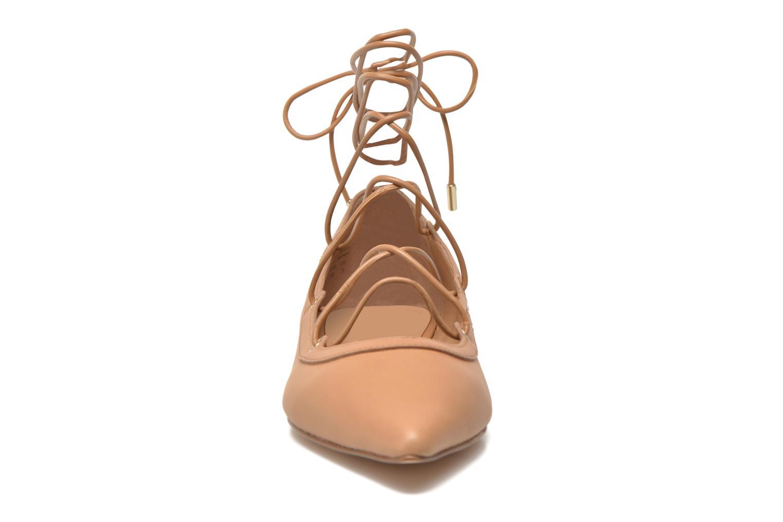 Ballerines Aldo ALIZE Beige vue portées chaussures