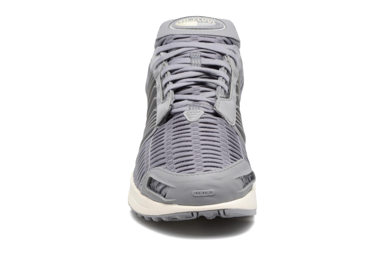 Baskets Adidas Originals Clima Cool 1 Gris vue portées chaussures