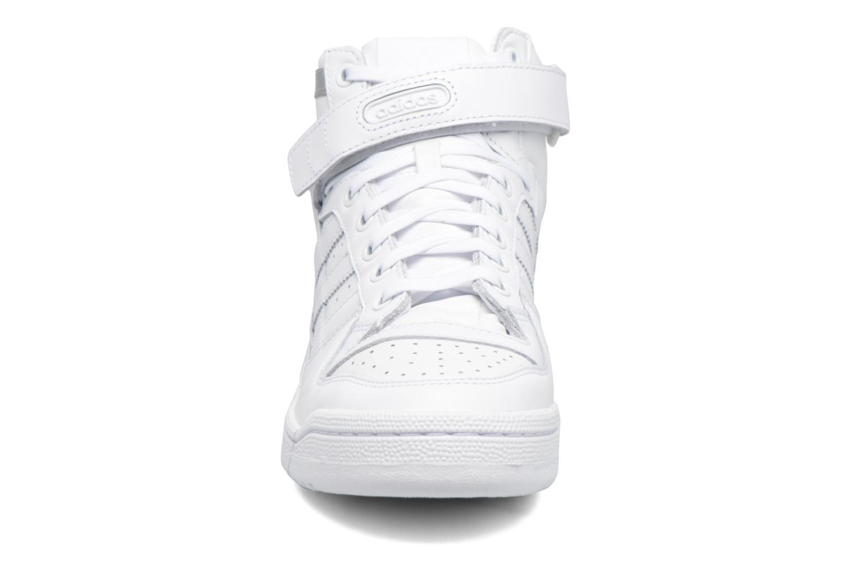 Sneakers Adidas Originals Forum Mid Refined Hvid se skoene på