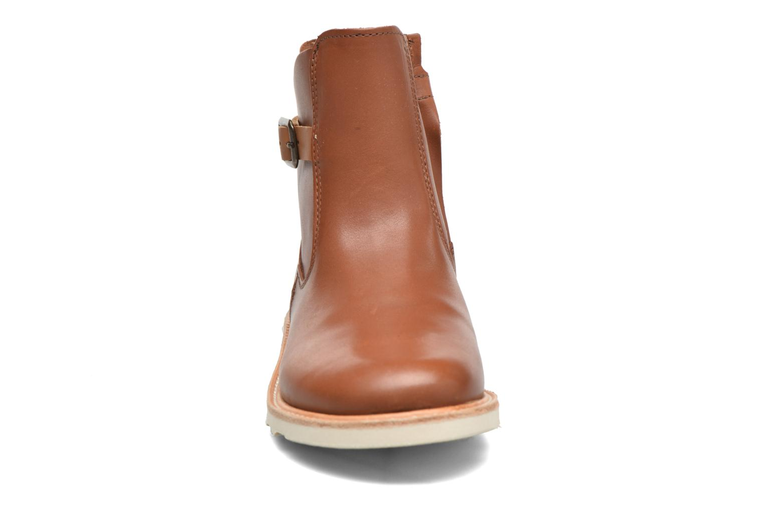 Vera Chestnut Brown Leather