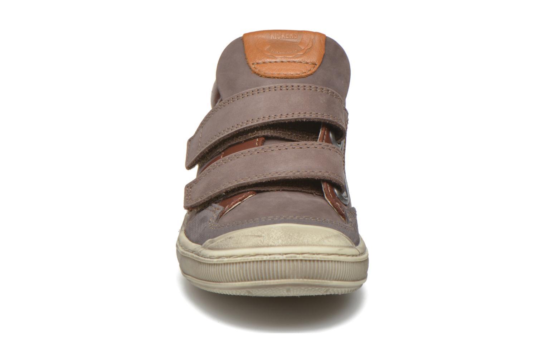 Baskets Kickers Igor Marron vue portées chaussures