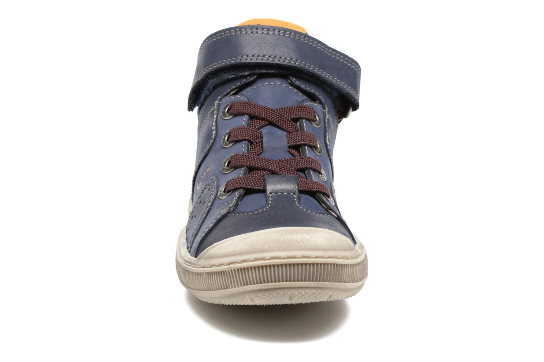 Baskets Kickers Iguane Bleu vue portées chaussures