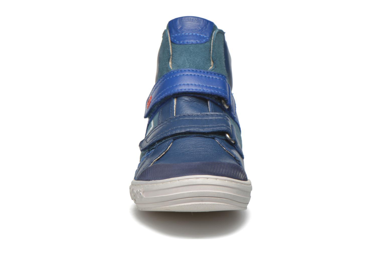Baskets Kickers Jinjinu Bleu vue portées chaussures
