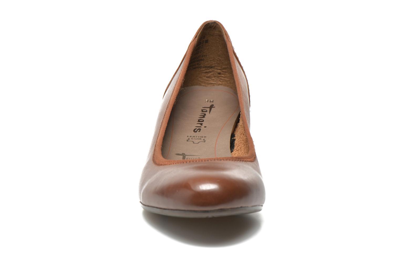 Escarpins Tamaris Ajonc Marron vue portées chaussures
