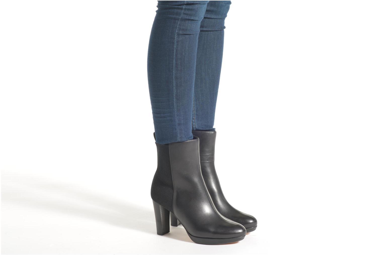 Bottines et boots Clarks Kendra Porter Noir vue bas / vue portée sac