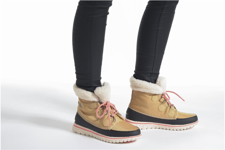 Bottines et boots Sorel Cozy Carnival Marron vue bas / vue portée sac