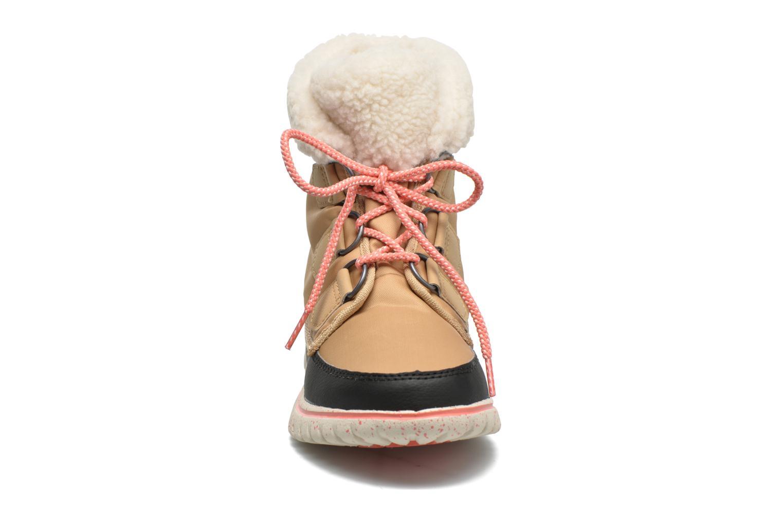 Bottines et boots Sorel Cozy Carnival Marron vue portées chaussures