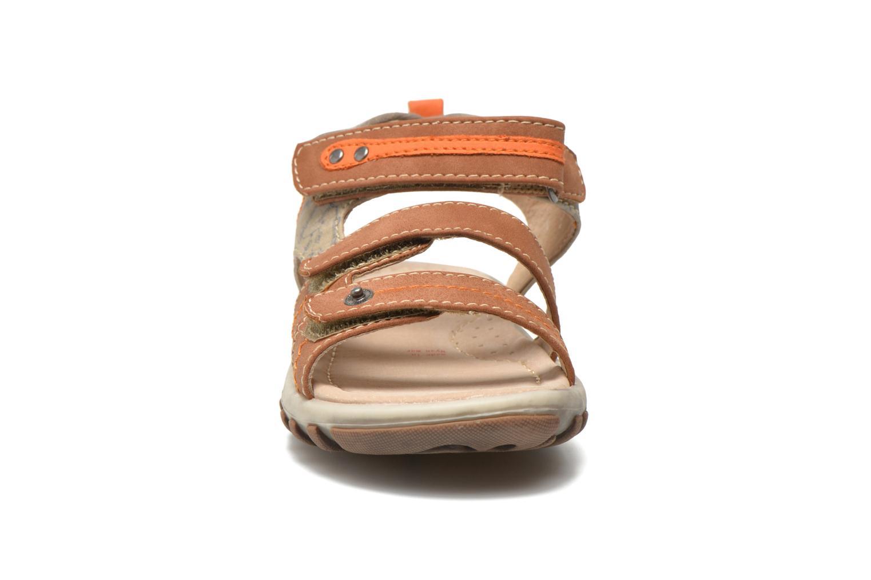 Sandales et nu-pieds NA! Avocat Marron vue portées chaussures