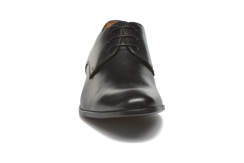 Scarpe con lacci Marvin&Co Nailsworth Nero modello indossato