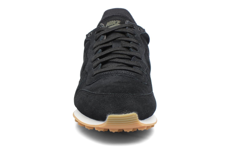 Baskets Nike W Internationalist Se Noir vue portées chaussures