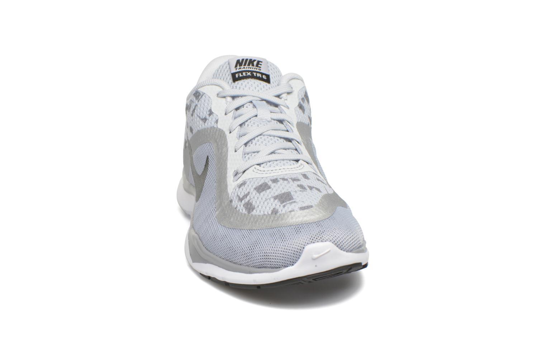 Sportssko Nike W Nike Flex Trainer 6 Print Grå se skoene på