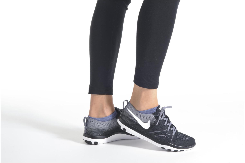Sportschuhe Nike W Nike Free Tr Focus Flyknit schwarz ansicht von unten / tasche getragen