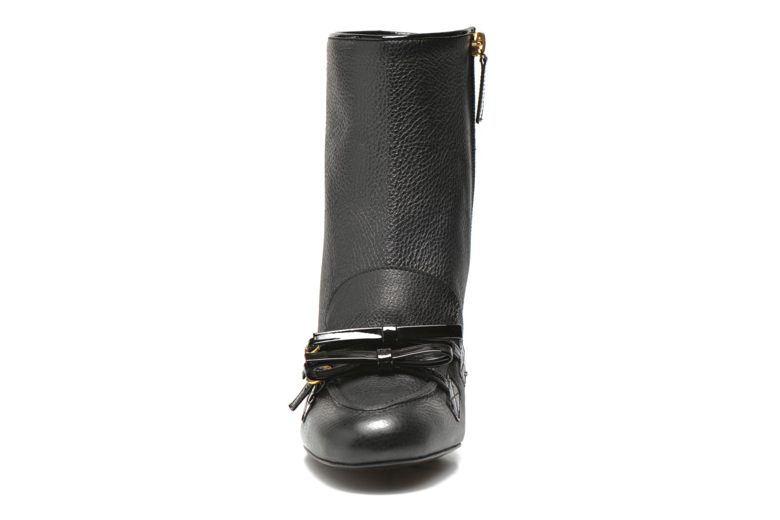 Ankle boots Boutique Moschino Bot-bot Black model view
