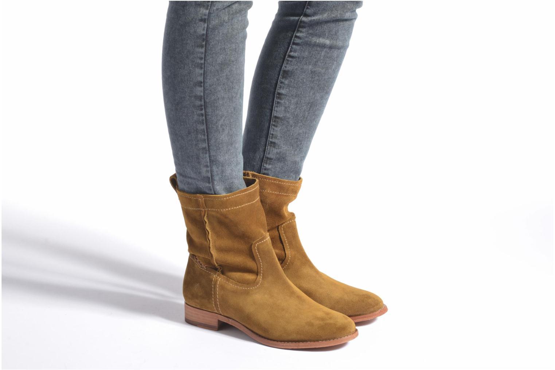 Bottines et boots Frye Cara Short Marron vue bas / vue portée sac